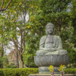 Professor from McDaniel College visits Loyola, applies Buddhist Philosophy to PTSD